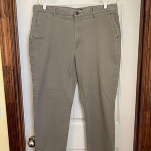 Roundtree & Yorke Casuals Pants